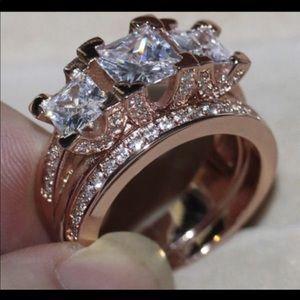 New 18 k rose gold wedding ring set